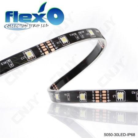 Bande led flexible IP68 Bleu 30led/M 5050 SMD Adhésive à fond noir 12V