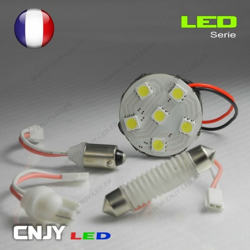 1 PANNEAU ADHESIF AVEC PRISE C5W 12V A 3 LED SMD 31MM