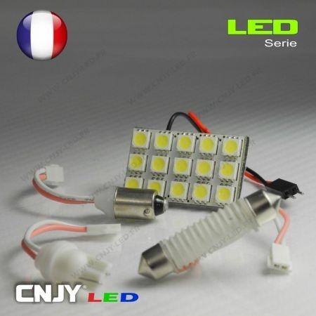 1 PANNEAU ADHESIF AVEC PRISE C5W 12V A 15 LED SMD 31 à 42MM