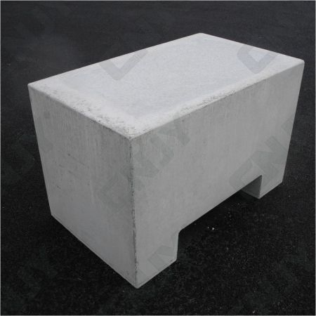 Massif béton anti intrusion, bloc de dissuasion anti bélier vigipirate 1.2T 100/60/65CM